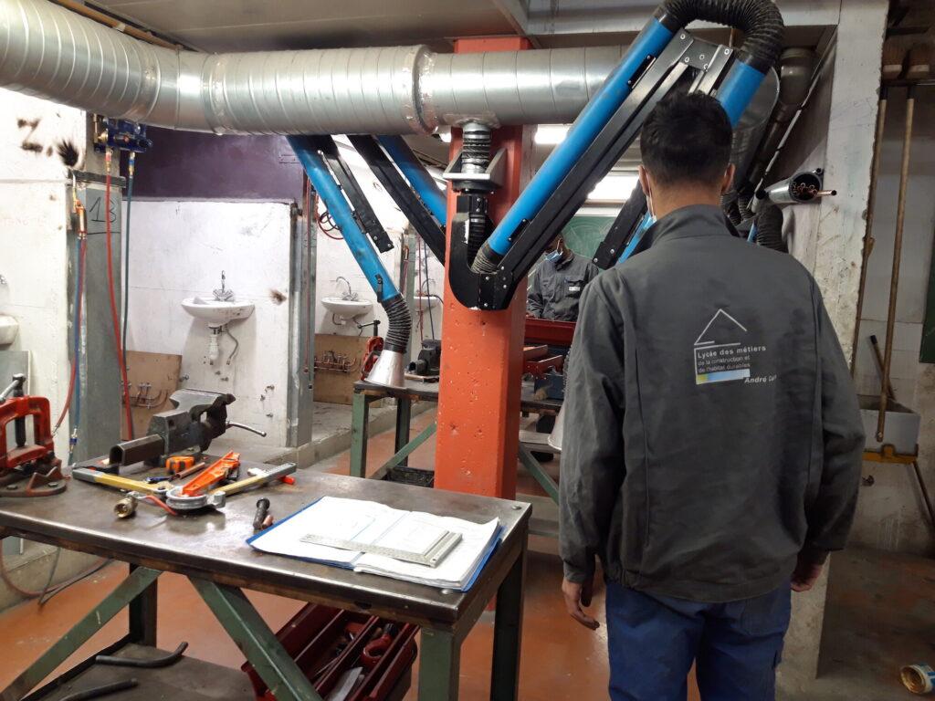 Un atelier plomberie du lycée professionnel André Cuzin à Caluire-et-Cuire, lieu d'intervention d'éducation aux médias par Rue89Lyon